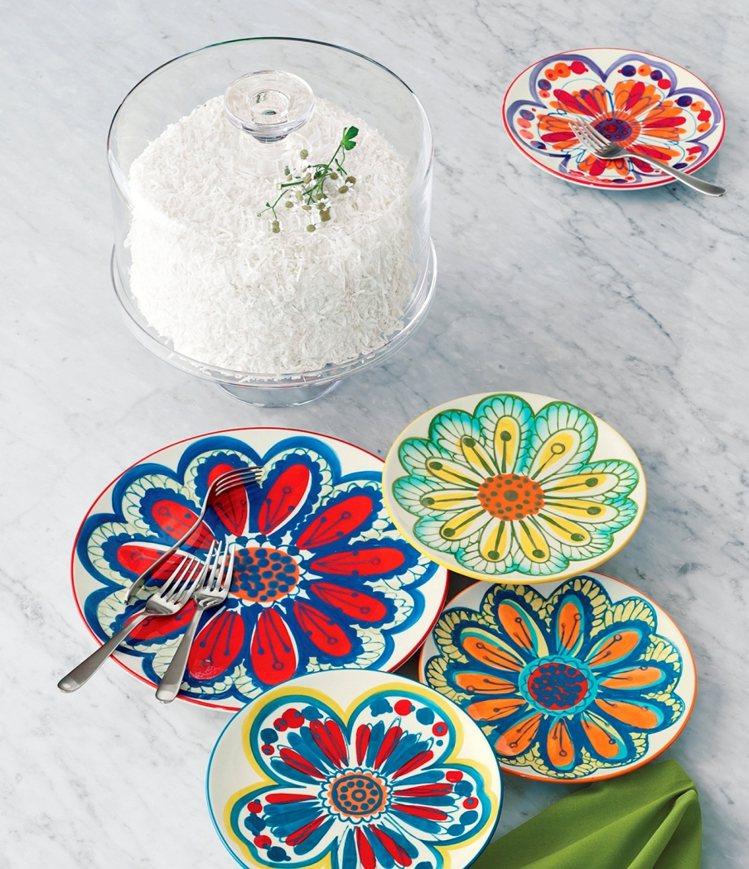 Petula沙拉盤。繽紛色澤加上手工彩繪,創造熱鬧的餐桌時光、480元。圖/Cr...