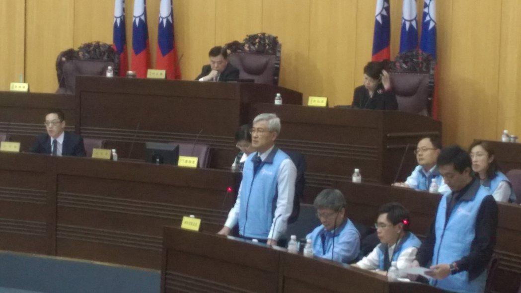 李憲明宣布下月將在蘆竹區為全台首創的包租包管社會住宅招標。記者施鴻基/攝影