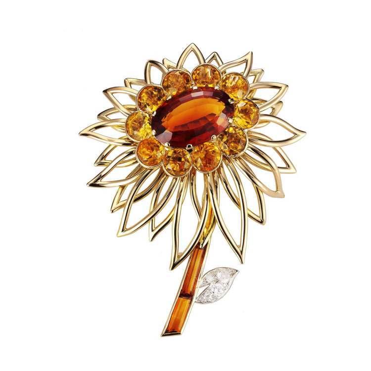 卡地亞骨董珍藏系列橘花胸針,1954年,卡地亞倫敦。黃K金,鉑金,黃水晶,鑽石。...