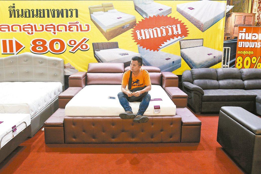 泰國軍政府近期推出一系列刺激措施,期盼提升鄉村地區消費,總理帕拉育內閣22日再核...