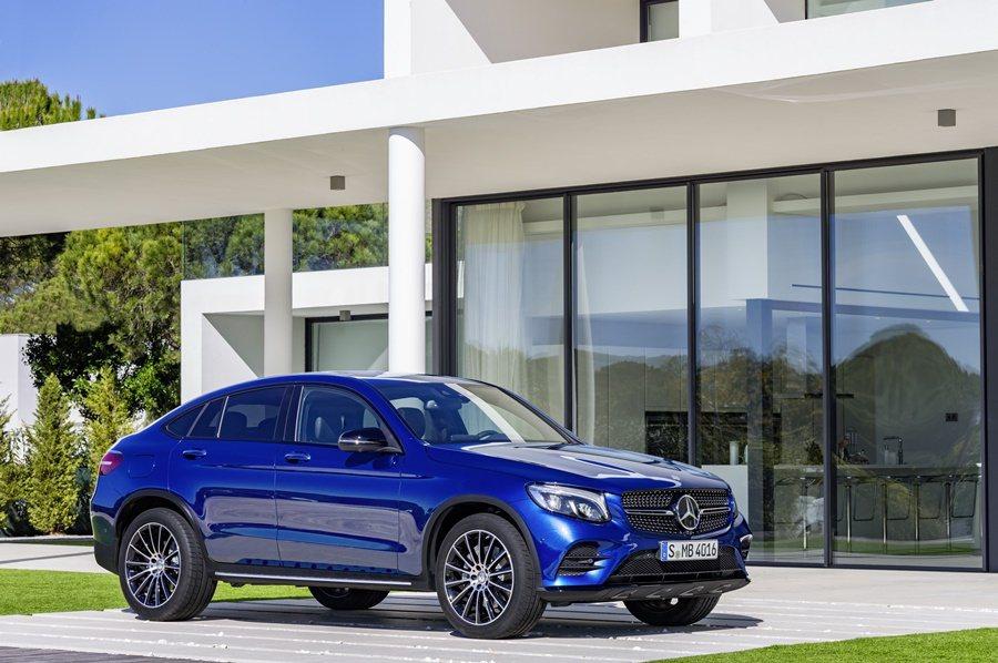 GLC Coupe,保有原來概念車的大多數元素並具有強烈跑格,車長4730mm,...