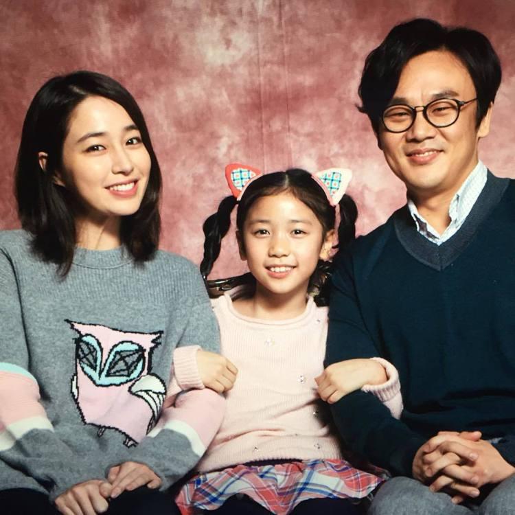 李珉廷在韓劇《回來吧大叔》中飾演大叔「金英洙」(金吝勸 飾)的溫柔妻子。圖/擷自...