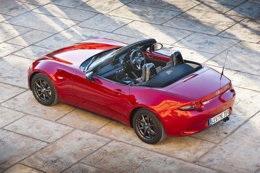 Mazda MX-5 同時獲得世界年度風雲車與年度最佳車輛設計兩項大獎。 Ma...