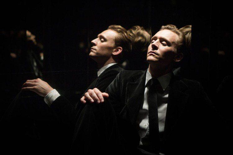 湯姆希德斯頓新片《摩天樓》。圖/傳影互動提供