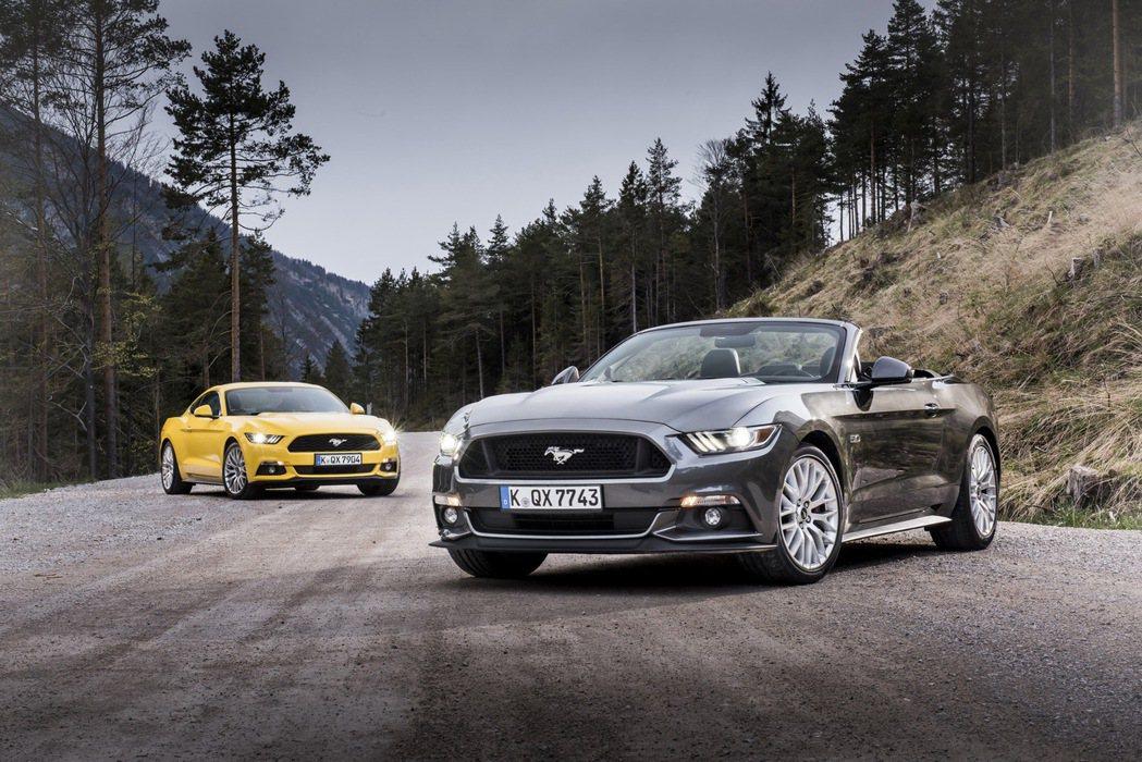 第六代Ford Mustang雖然較前代更為流線,但仍保留過去版本的經典設計。 ...