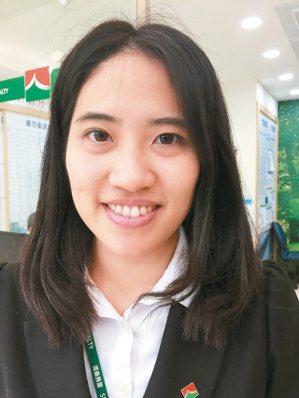 吳志婕(信義房屋三民綠光店)年齡:32歲入行年資:8年