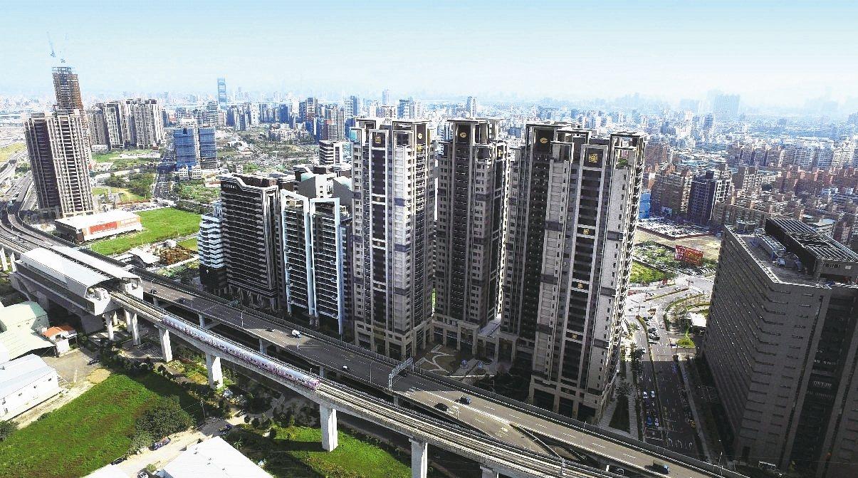 看好房市景氣回溫,建商加大329檔期推案火力,北中南首波估計至少2,000億元的...