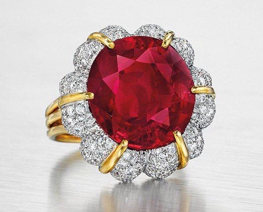紐約佳士得將拍賣近16克拉的緬甸紅寶石。圖/摘自官網