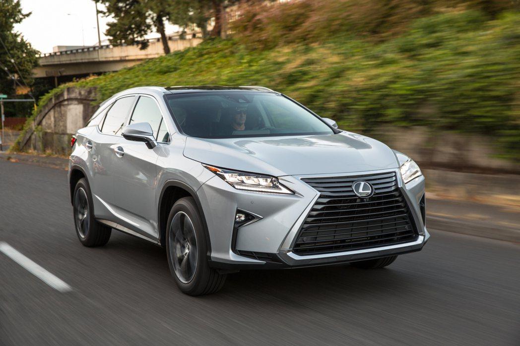 Lexus RX去年第四季改款後,就一舉奪下同級距銷售冠軍。 圖/Lexus提供