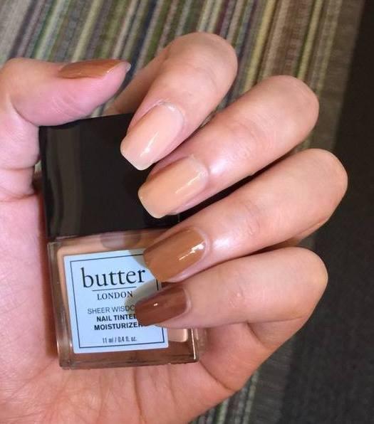 裸感光癮潤甲油在保養同時,彷彿為指甲上了淡妝。圖/取自butter LONDON...