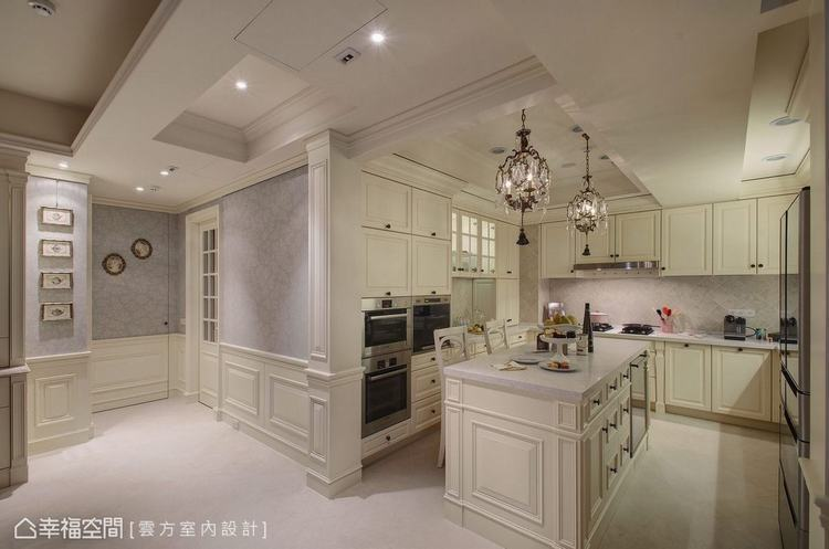 ▲餐廳與廚房: 為了賦予公領域更多的意義,雲方室內設計進而將格局中採光最好的主臥...