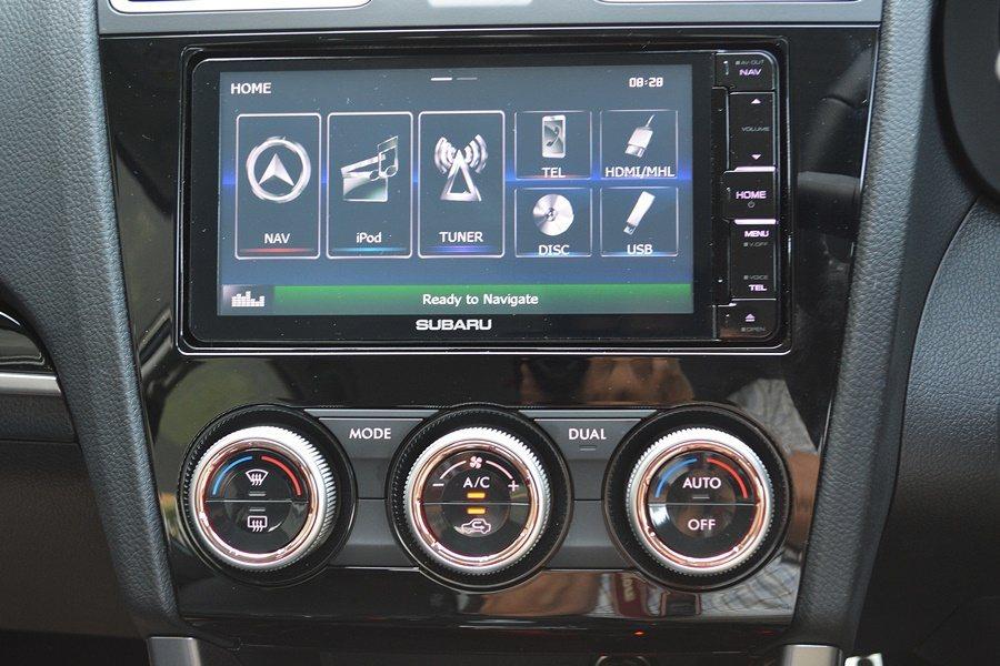 中控台更換全新的螢幕,我們試乘的是東協國家版本,中控為LCD螢幕,內建多媒體系統...