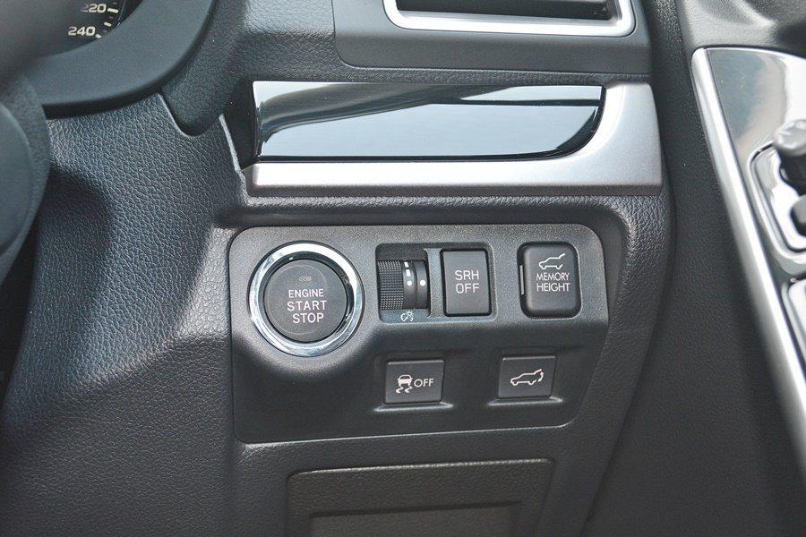 全車系標配電動尾門,另新增可設密碼而不必車鑰匙車門鎖開啟裝置。 記者趙惠群/攝影