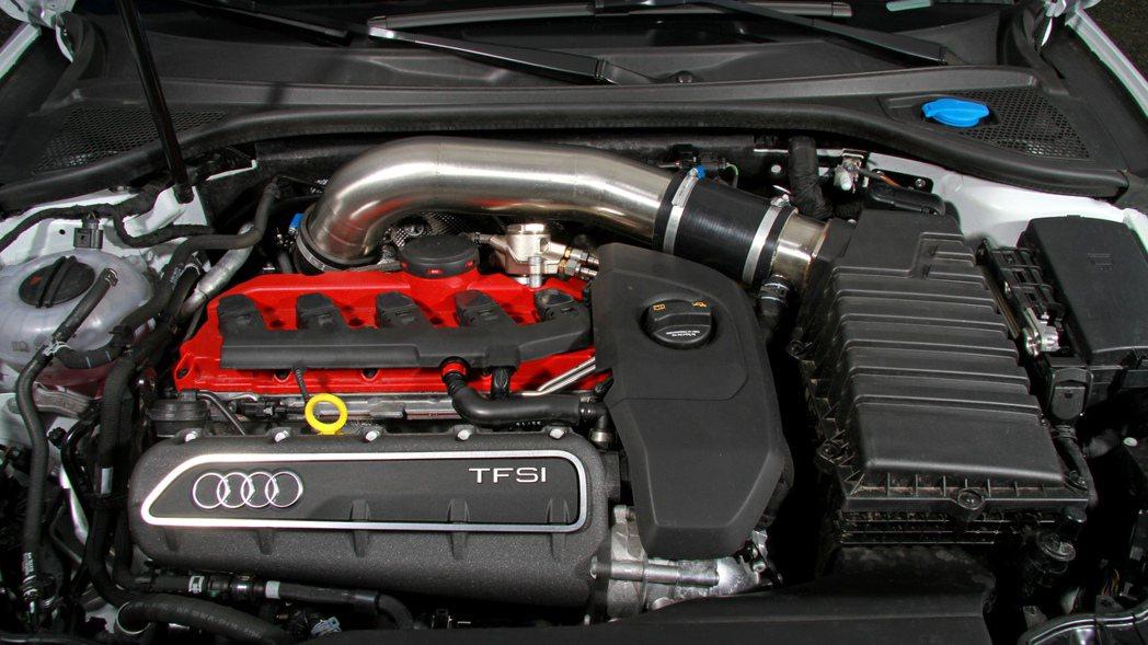 MR Racing針對ECU重新設定,並搭載手工打造的運動型排氣系統,使其最大馬...