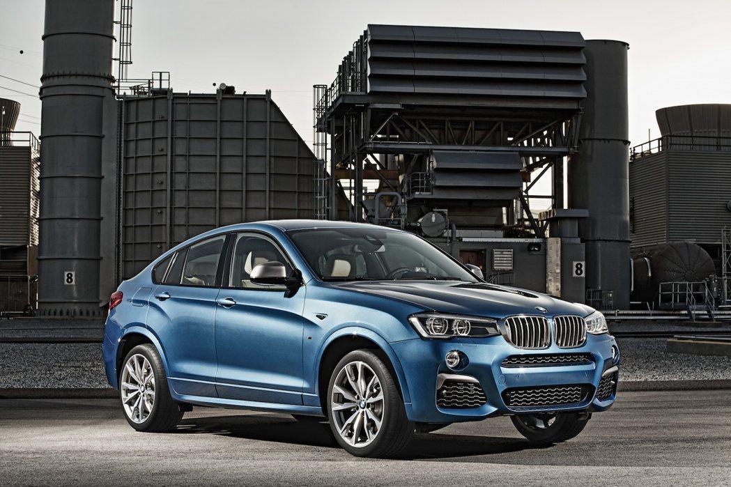 BMW X4 M40i。