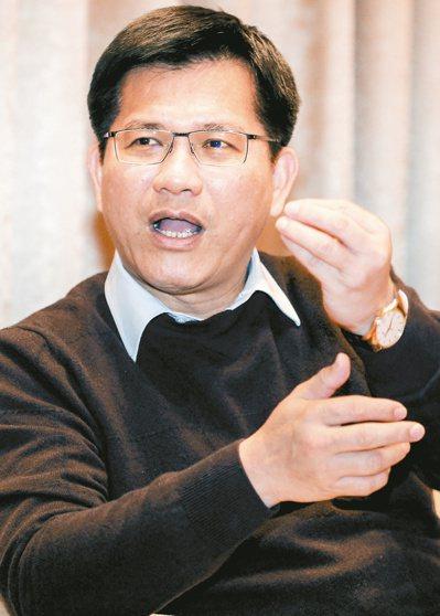 台中市長林佳龍接受聯合報專訪,他說,準總統蔡英文很多決策都是問過台中市才提的,未...