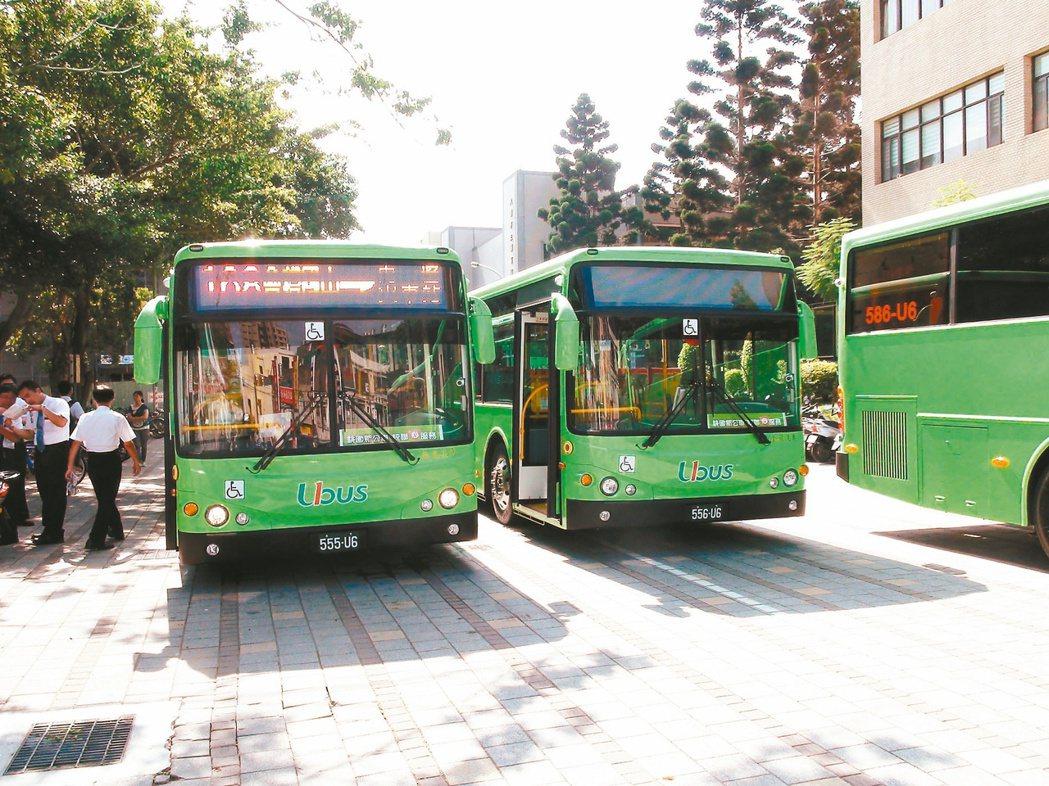 桃園市政府10月將試辦主幹線8公里免費公車。 本報資料照片