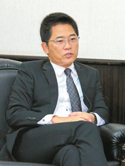 台東縣長黃健庭暢談施政方針。 記者潘俊偉/攝影