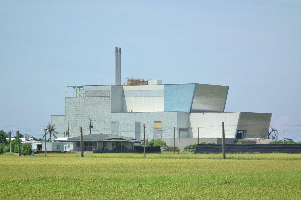 台東縣政府擬啟用焚化爐,但有市民持反對意見。 記者尤聰光/攝影