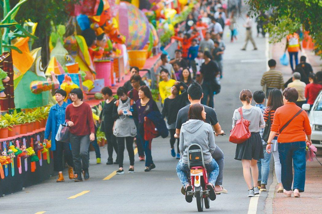 林明溱縣長過主辦大型活動,要把南投縣打造成「觀光首都」。 記者張家樂/攝影