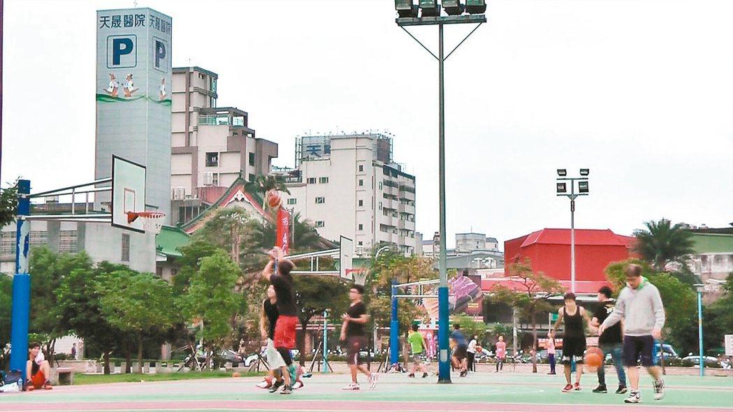 重大建設也要能兼顧民眾生活品質。 記者陳俊智/攝影