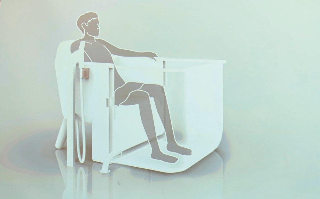 Bath Chair 在椅子上泡澡 記者江慧珺/攝影