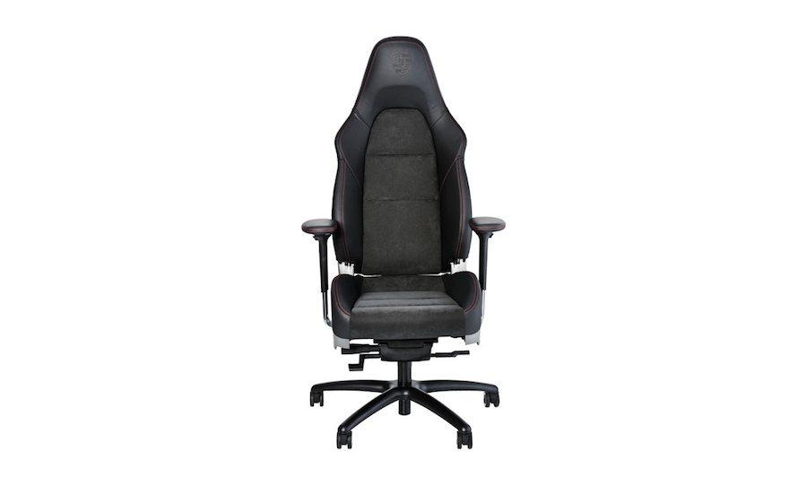 該辦公椅將以911 GTS與GT3車上的座椅規格打造。 摘自carscoops...