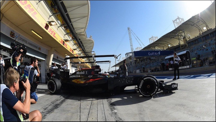 這次的巴林分站是Stoffel Vandoorne的首次F1比賽。 摘自f1.c...