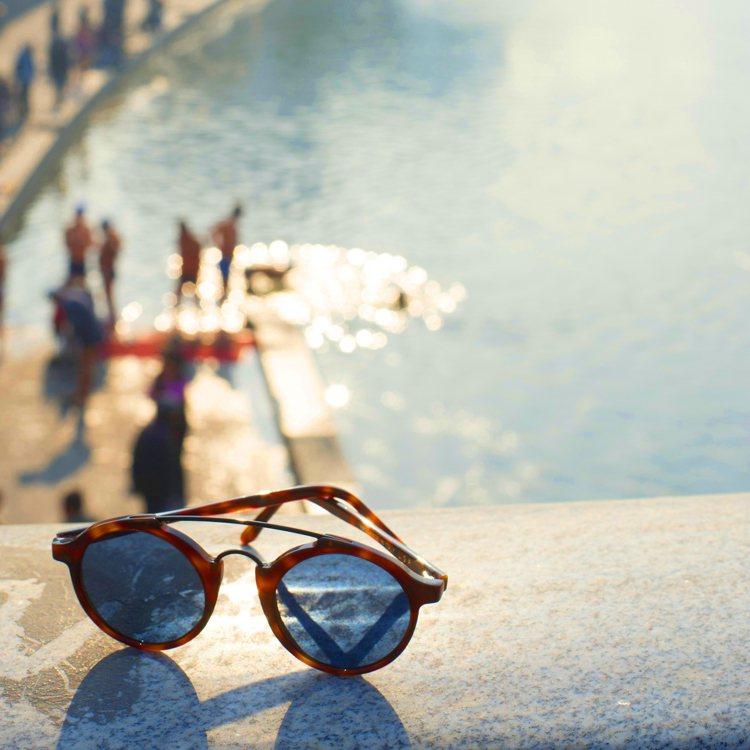 義大利的手工眼鏡品牌 L.G.R,擅長詮釋復古老派風格。圖/L.G.R提供