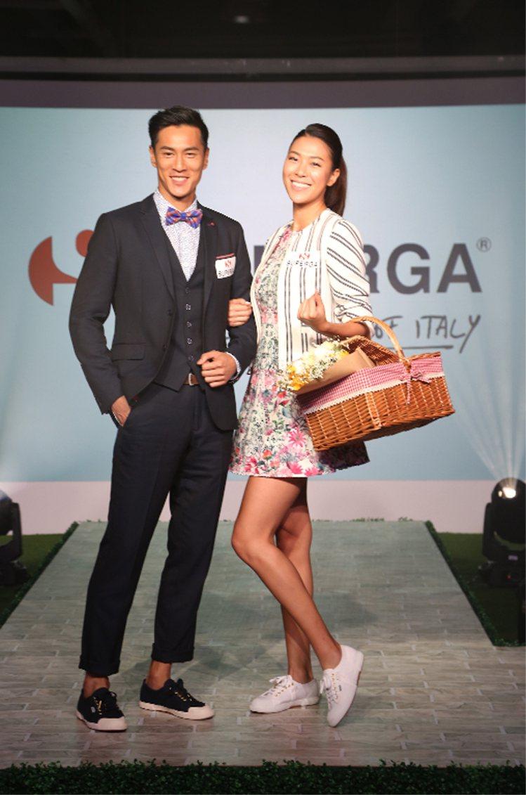 林又立(右)、鍾承翰一身輕裝,打造愉悅時尚的野餐裝扮。圖/SUPERGA提供