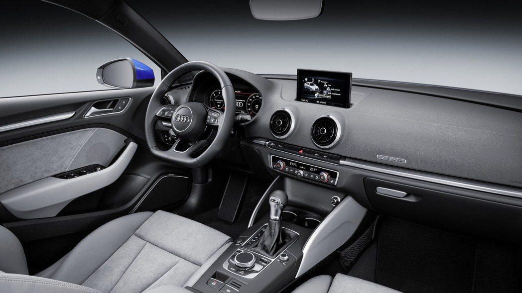 座艙改變幅度並不大,不過原廠仍針對配備與細節方面進行加強。 摘自Audi.com