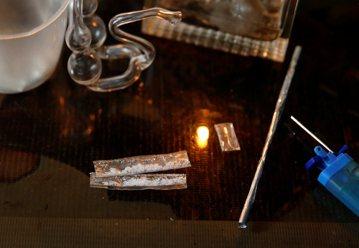 吸毒入罪或除罪化,那個才能解決毒品問題?