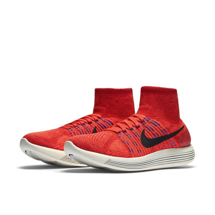 「Nike Lunar Epic Flyknit」將鞋子和襪子融為一體,揭開跑鞋...