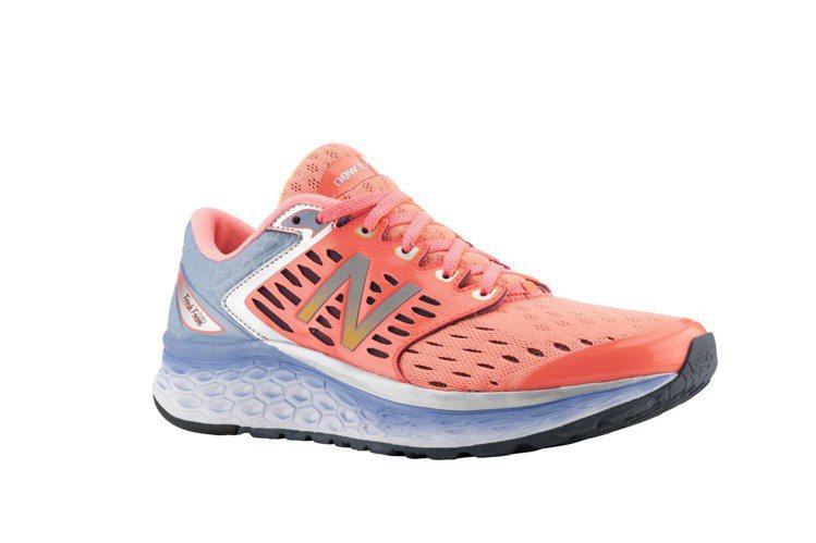 New Balance廣受好評的新款「Fresh Foam」球鞋,4250元。圖...