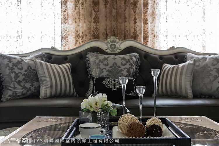 ▲藝術裝飾: 善用古典的浪漫元素,以及軟件、餐瓷的藝術配搭,自然形塑柔美氛圍。