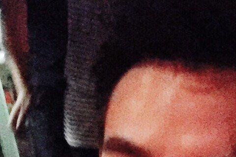 《後宮甄環傳》的華妃與《瑯琊榜》的靖王在一起了?12日凌晨蔣欣在微博上貼出多張與王凱的親密照,只見王凱摟抱著蔣欣,兩人親密合照,蔣欣還寫道:「他說他愛我」,大半夜的丟出這種放閃照,讓網友直呼是「戀愛...