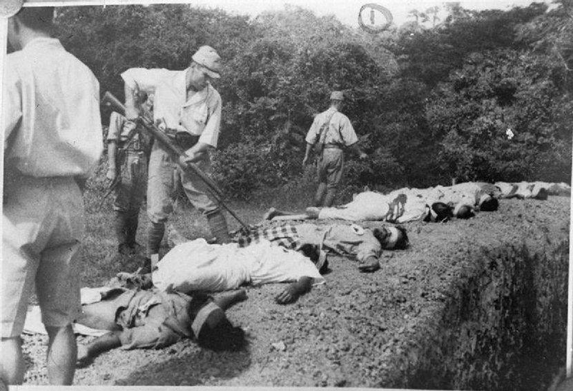 在大戰中,不願配合日軍加入「印度民族軍」的印度裔士兵慘遭槍決。 圖/維基共享