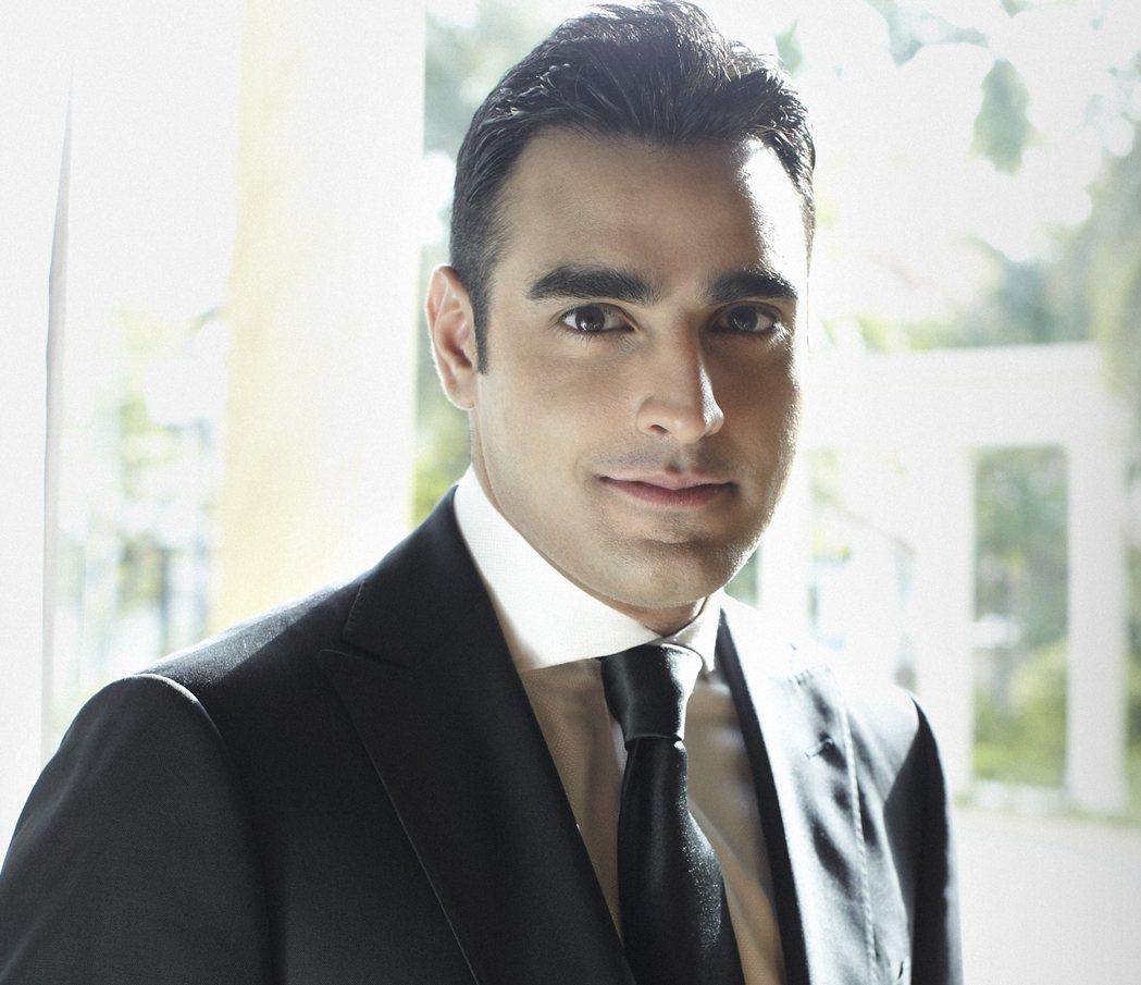 以經營房地產與投資業而成為新加坡第十大富豪Raj Kumar與Kishin RK...
