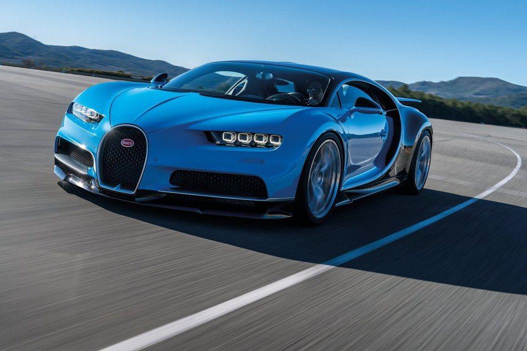大家熟悉的Bugatti日前也推出Veyron的後繼車款Chiron,擁著更為強...