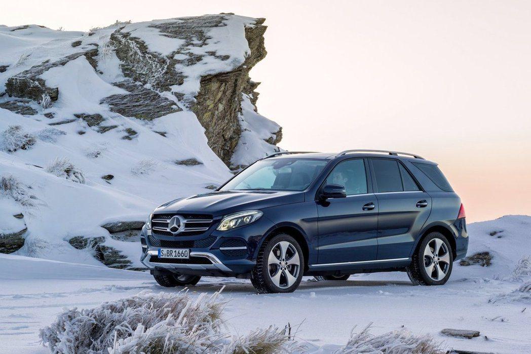 全新GLE車型不僅具備M.Benz全新家族面貌,動力與配備也一併升級。 摘自M....