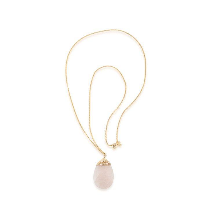 CAROLEE紅粉佳人玫瑰石英項鍊,4,200元。圖╱CAROLEE提供