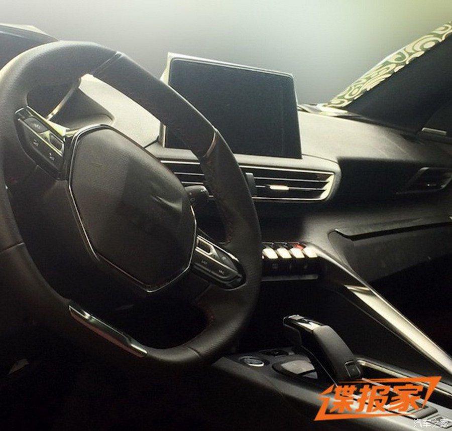 除了超炫液晶儀表版之外,新的多媒體車載系統與新的方向盤設計等也是車系亮點。 摘...