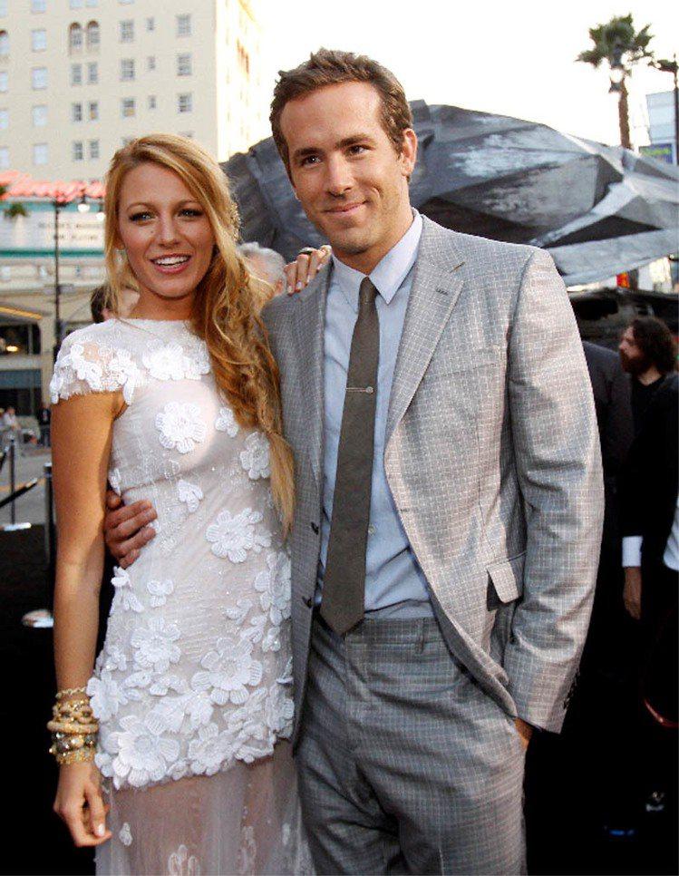 萊恩雷諾斯因為《死侍》一片紅遍全球,與明星老婆布蕾克萊佛莉最近也歡喜宣布兩人將迎...