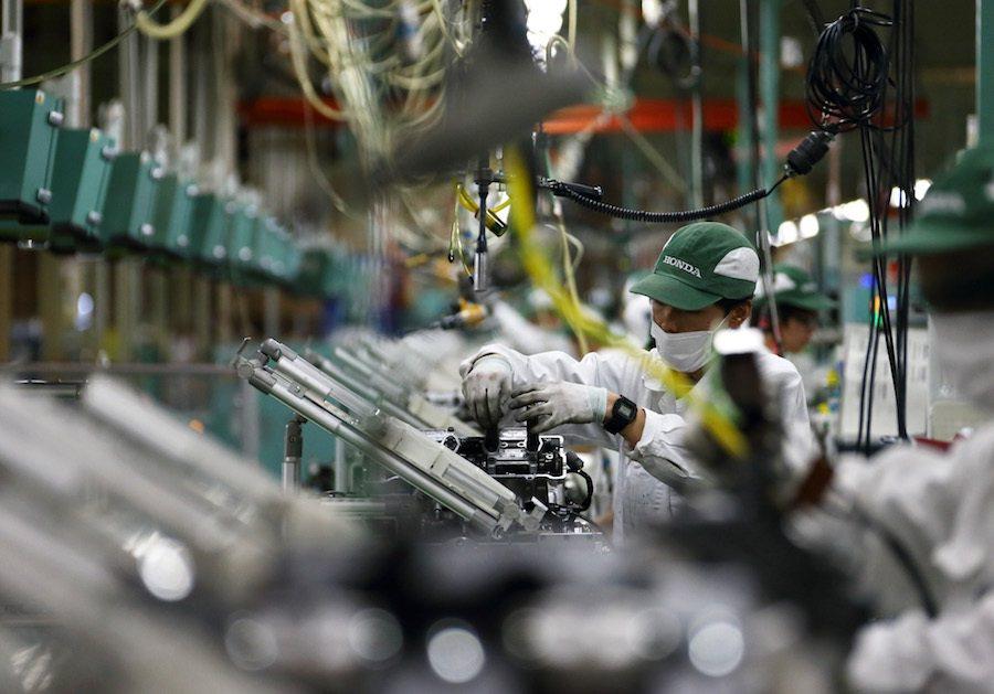 Honda的摩托車產線位於災區中而全面停工,尚在檢查受損程度。 摘自Japan...