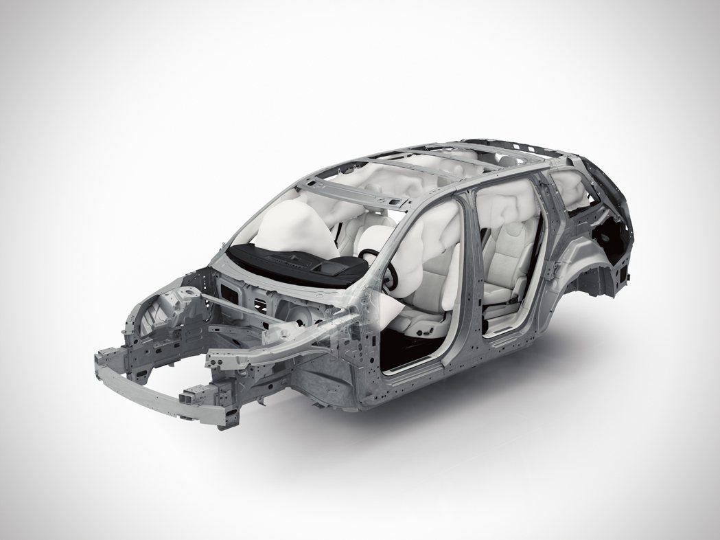 標配7具SRS氣囊,防護氣簾能涵蓋第三排座位乘客,並擁有優異的車身剛性。 圖/V...