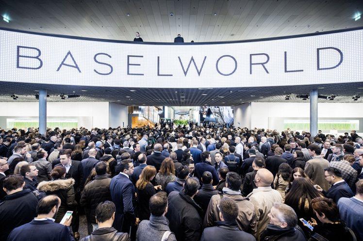 (版頭)2016年巴塞爾鐘表展(Basel World)可看出是保守中求發展。圖...