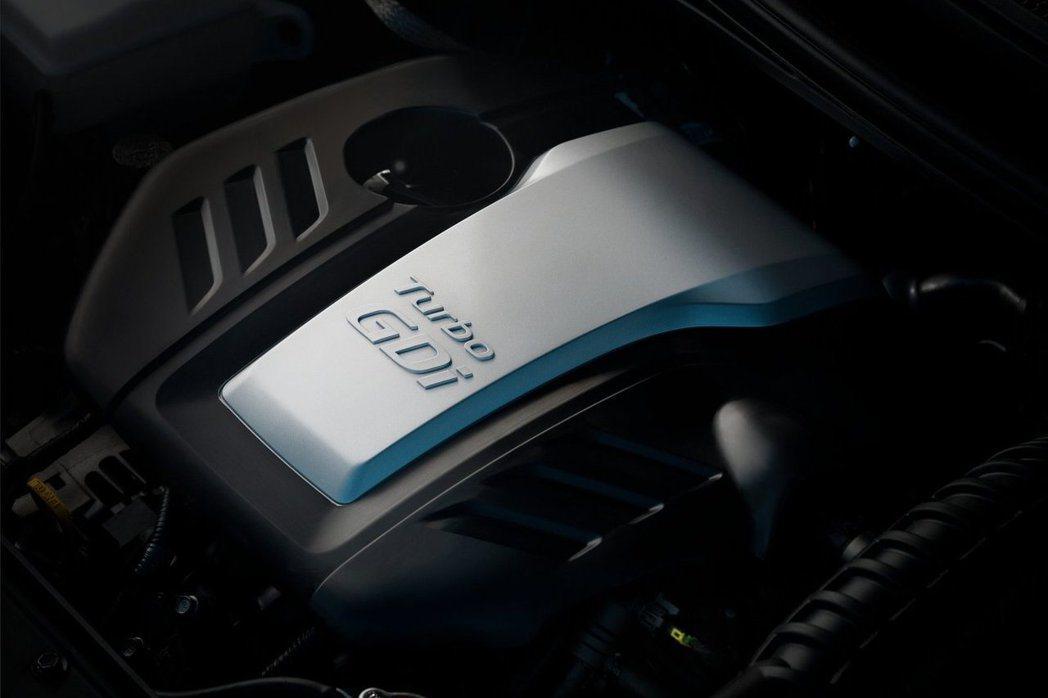 Elantra Sport版本應該會搭載1.6升四缸渦輪增壓引擎,搭配七速雙離合...