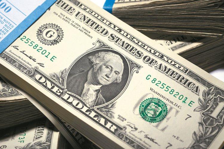 預估下半年美國仍有一至二次升息機會,美元長線仍有升值空間,星展銀行推出1個月期年...