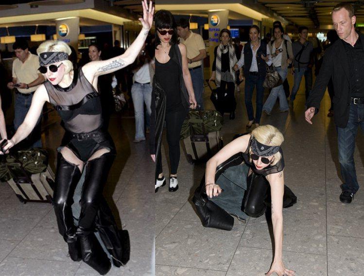愛穿恨天高的女神卡卡也曾在機場拐到腳而重摔在地。。圖/擷自gagadaily.c...