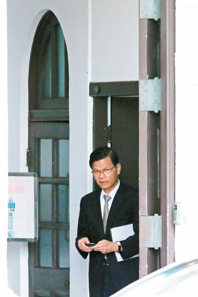 中研院長翁啟惠昨入府向馬總統報告浩鼎案。 記者王騰毅/攝影
